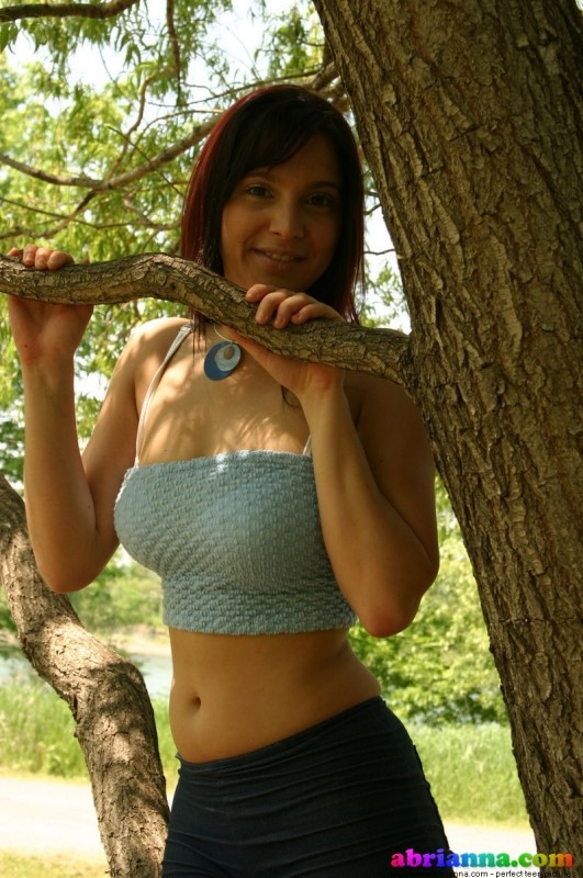 Abrianna Shows Off Her Figure In A Park - Picture 12